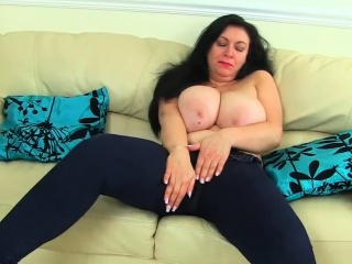 English Milf Enjoy Her Hungry Cunny HER SNAPCHAT - BAMBI18XX