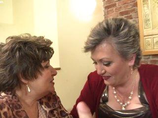 3 Grannies lesbians
