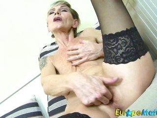EuropeMaturE Sexy Granny Ivana Solo Fingering